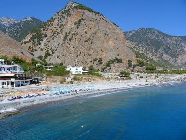 Krétská vesnice Agia Roumeli u moře