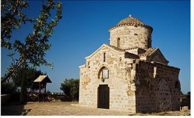 Agios Georgios, Kréta s kostelem