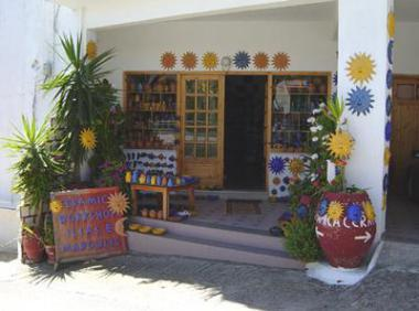Obchod s keramikou v Margarites na Krétě
