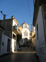 Gouves - jedna z ulic a kostel